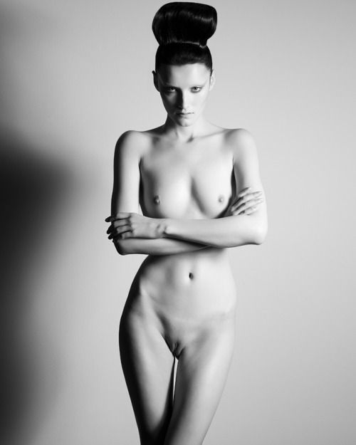 Nude fashion models