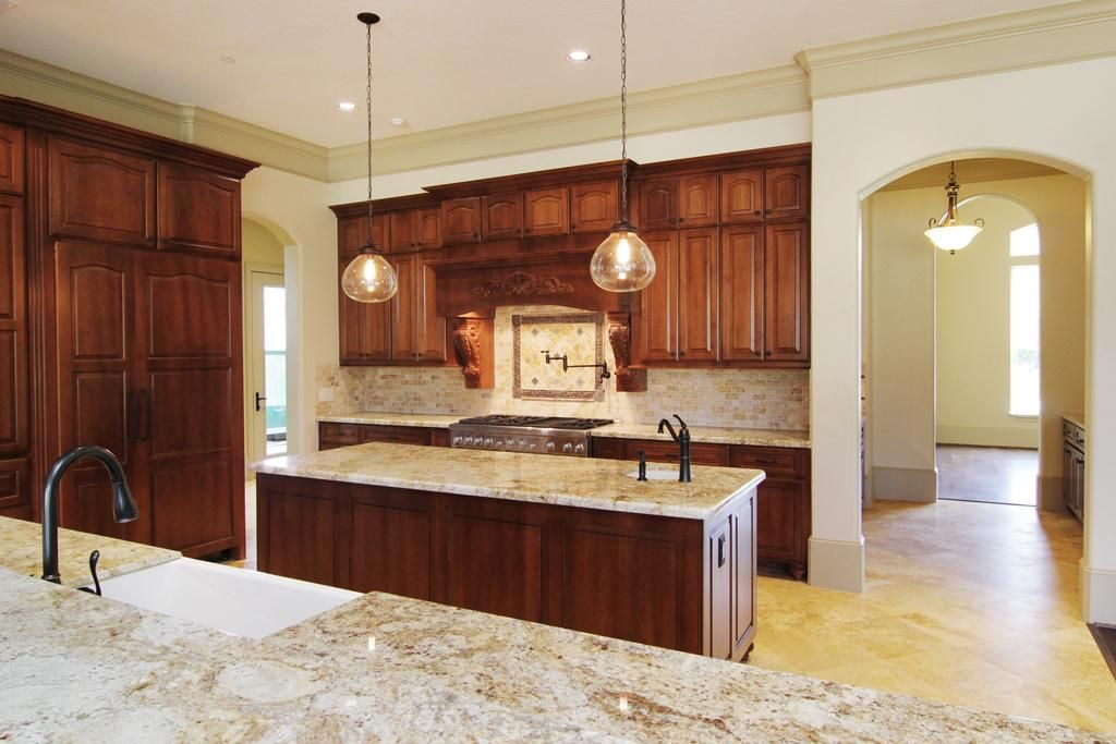 Har Kitchen 19x13 Has Colonial Gold Granite Counter Tops With