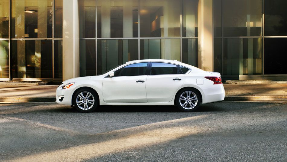 2013 Nissan Altima What A Beautiful Car I Want One Cars