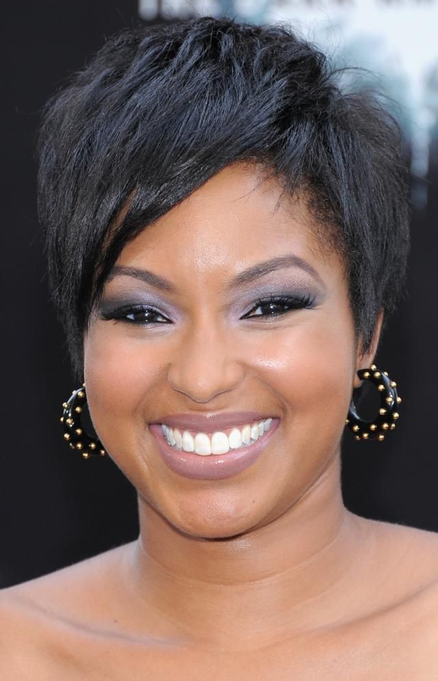 Short Hairstyles For Round Faces Black Woman