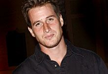 A Christmas Kiss Cast.Brendan Fehr Tv Shows Brendan Fehr Gorgeous Men Pretty