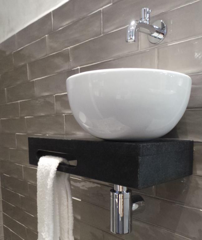 Welsan fonteinset rond/natuursteen | wckes | Pinterest | Toilet