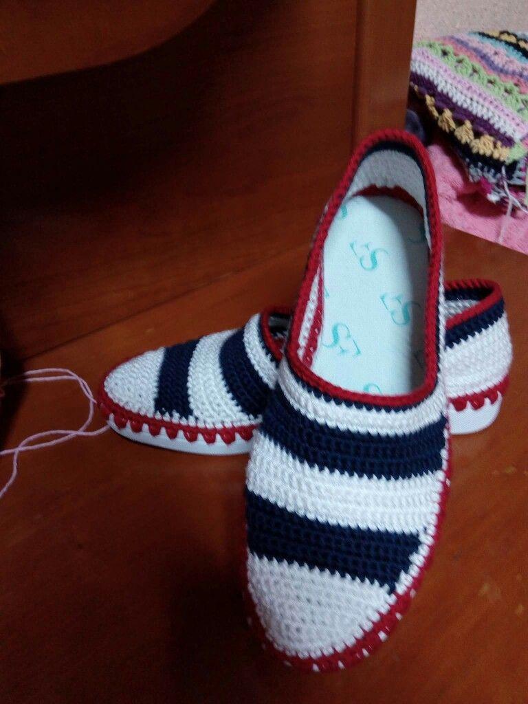 Pin de Vladu Mariana en handmade | Pinterest | Zapatillas de ...