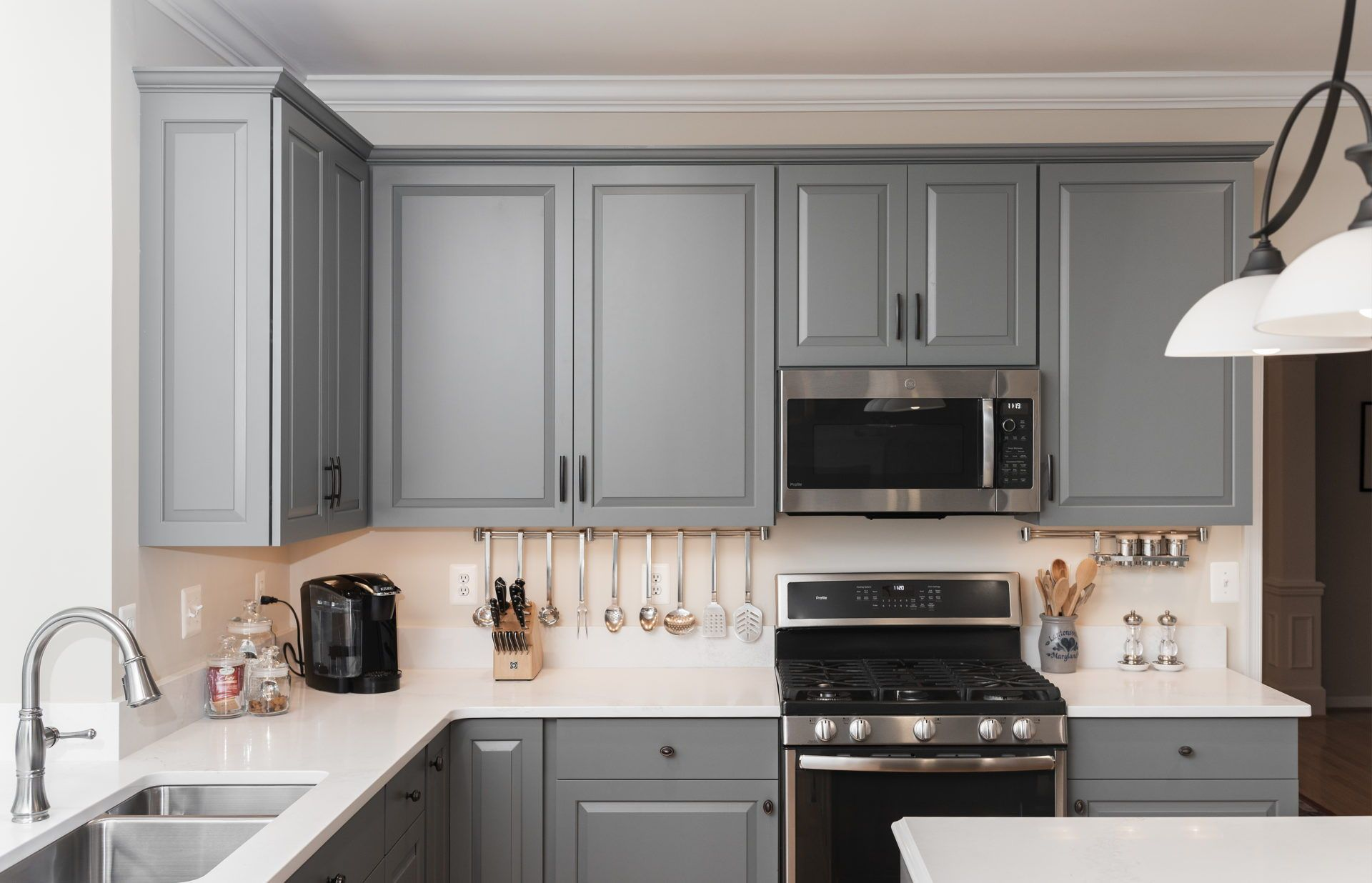 Gaithersburg Md K S Renewal Systems Llc In 2020 Cabinet Styles White Quartz Countertop Grey Kitchen Cabinets