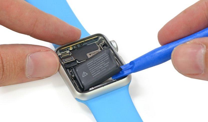 iFixit desmonta el Apple Watch y nos enseña sus tripas - http://www.actualidadiphone.com/ifixit-desmonta-el-apple-watch-y-nos-ensena-sus-tripas/