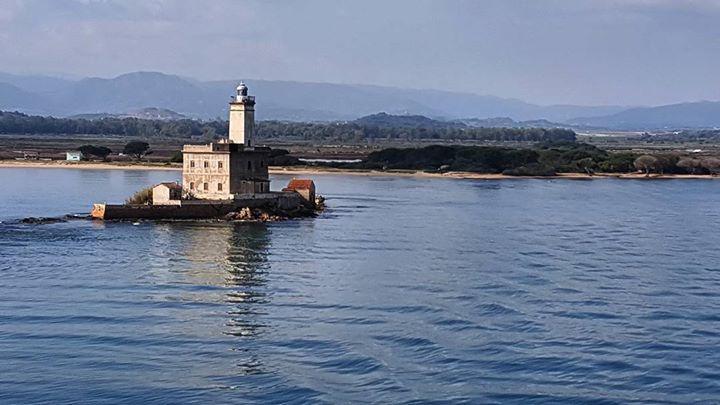 by http://ift.tt/1OJSkeg - Sardegna turismo by italylandscape.com #traveloffers #holiday | L'antica guardia The ancient guard!!! #sardinia #lighthouse #lanuovasardegna #unionesarda #portocanale #olbiait #sardegnaofficial #sardinia_super_pics #verso #costa #nord #faro #isoladellabocca Foto presente anche su http://ift.tt/1tOf9XD | March 15 2016 at 10:30AM (ph fabiogallura89 ) | #traveloffers #holiday | INSERISCI ANCHE TU offerte di turismo in Sardegna http://ift.tt/23nmf3B -
