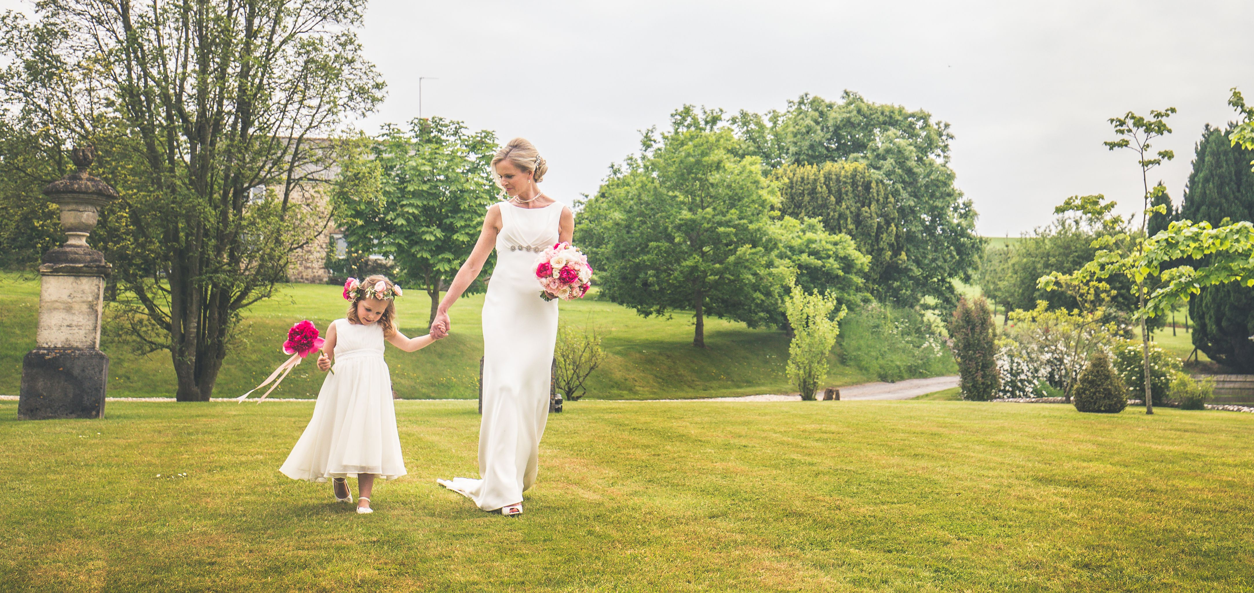 Claire And Chris Wedding At Axnoller House Flowers By West Dorset