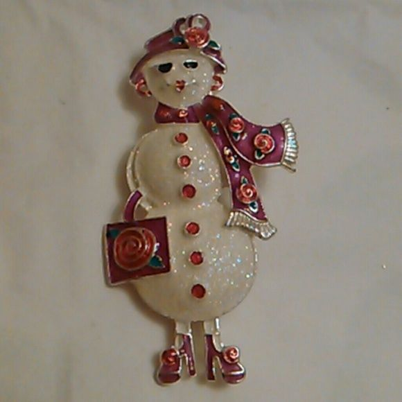 Snow woman brooch. Good condition .silver tone. Jewelry Brooches