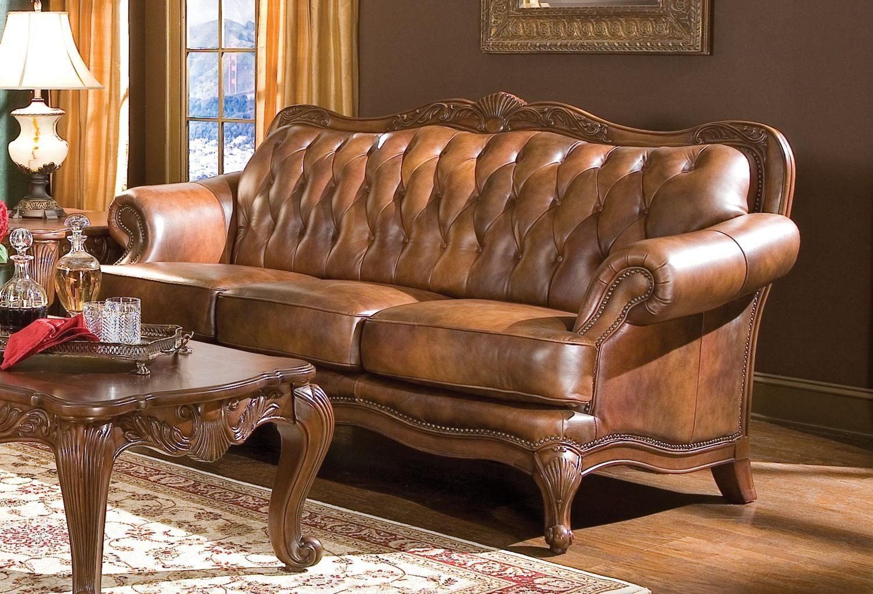 The Victoria Sofa Is A Classic Button Tuffed Tri Tone 100 Leather