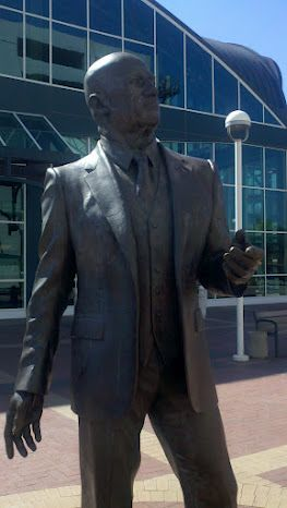 C. L. Dellums was Ron Dellums' uncle and a civil rights star in his own right having organized the railroad porters into a union and served on the first Fair Employment Practice Commission for California.  This is a statute of him in front of the Oakland Amtrak station.