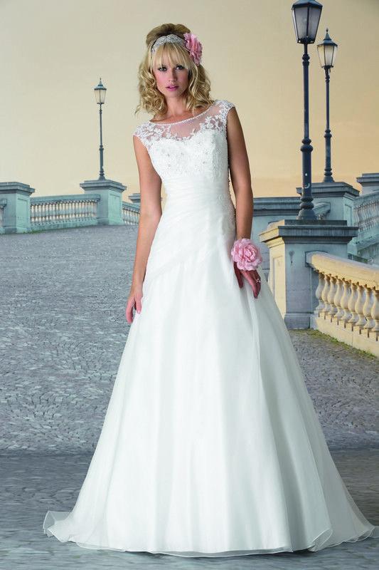 8c62d07f19ae50 Betaalbare en goedkope bruidsjurken   trouwjurken
