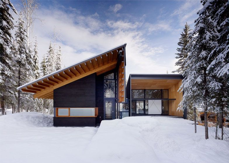 Rocky mountain weekend home with modern scandinavian flare for Mountain lodge architecture