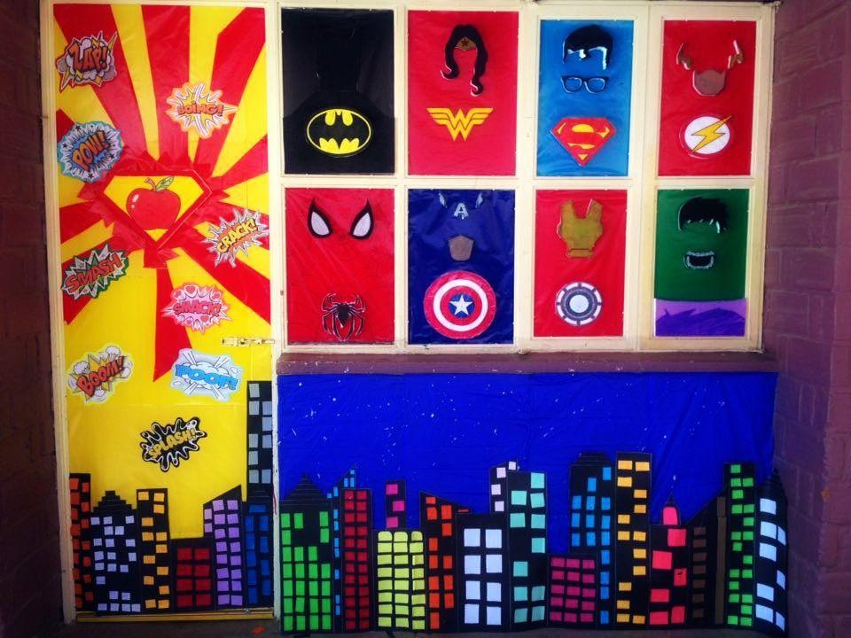Puerta decorada de superheroes para el d a del ni o for Puertas decoradas para el dia del libro