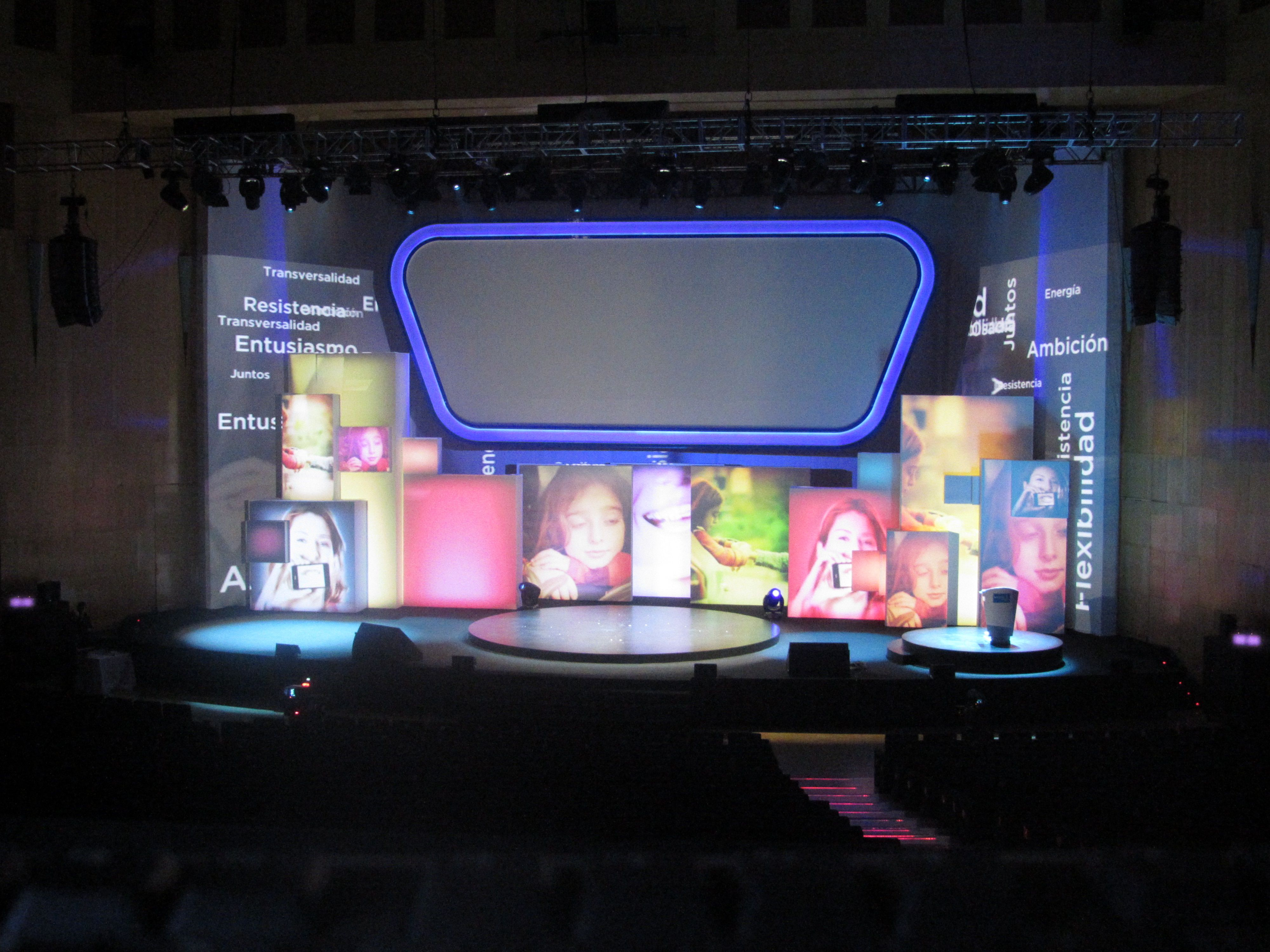 Videomapping Stage Design Sanitas Vector 001 Stage Pinterest # Muebles Neoideas