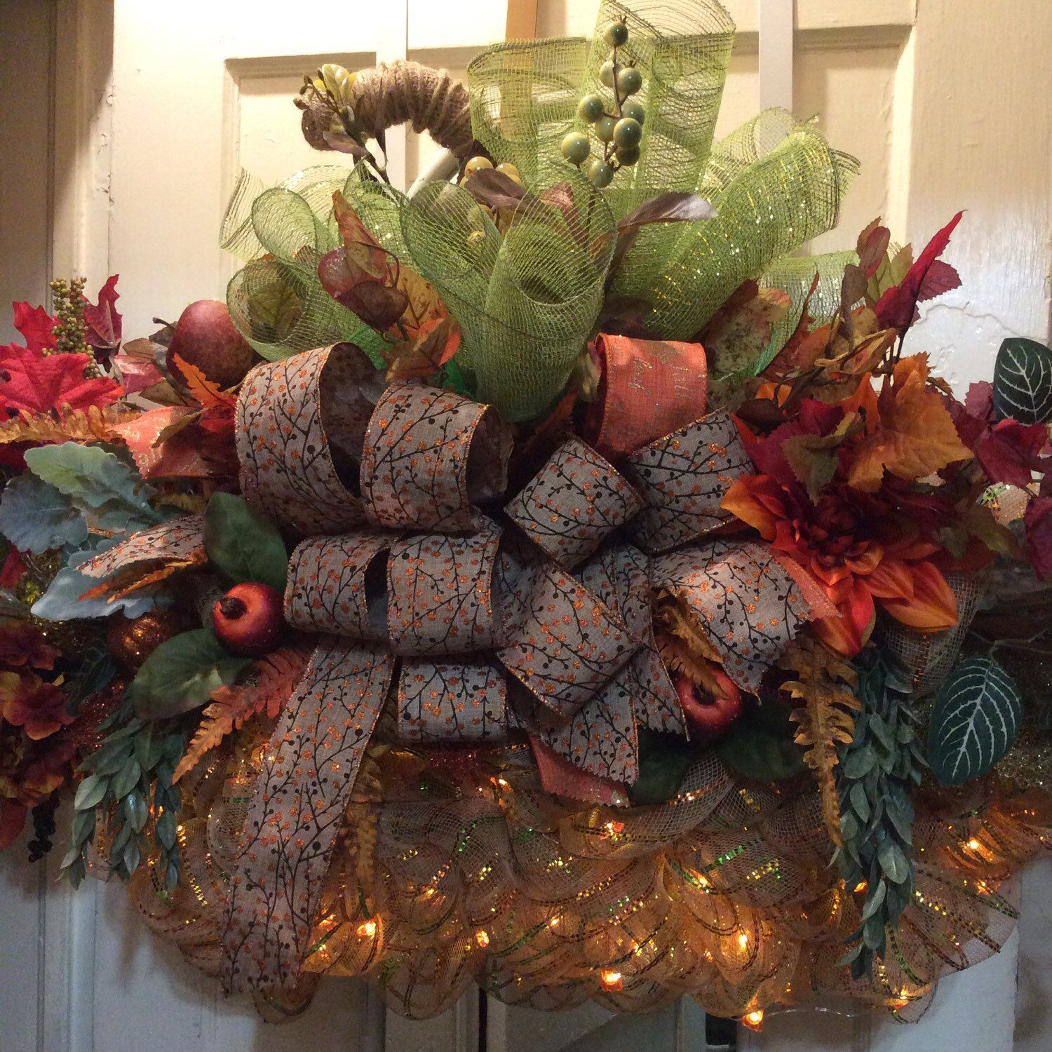 Pumpkins Light the Way to Harvest Season,Pumpkin Wreath