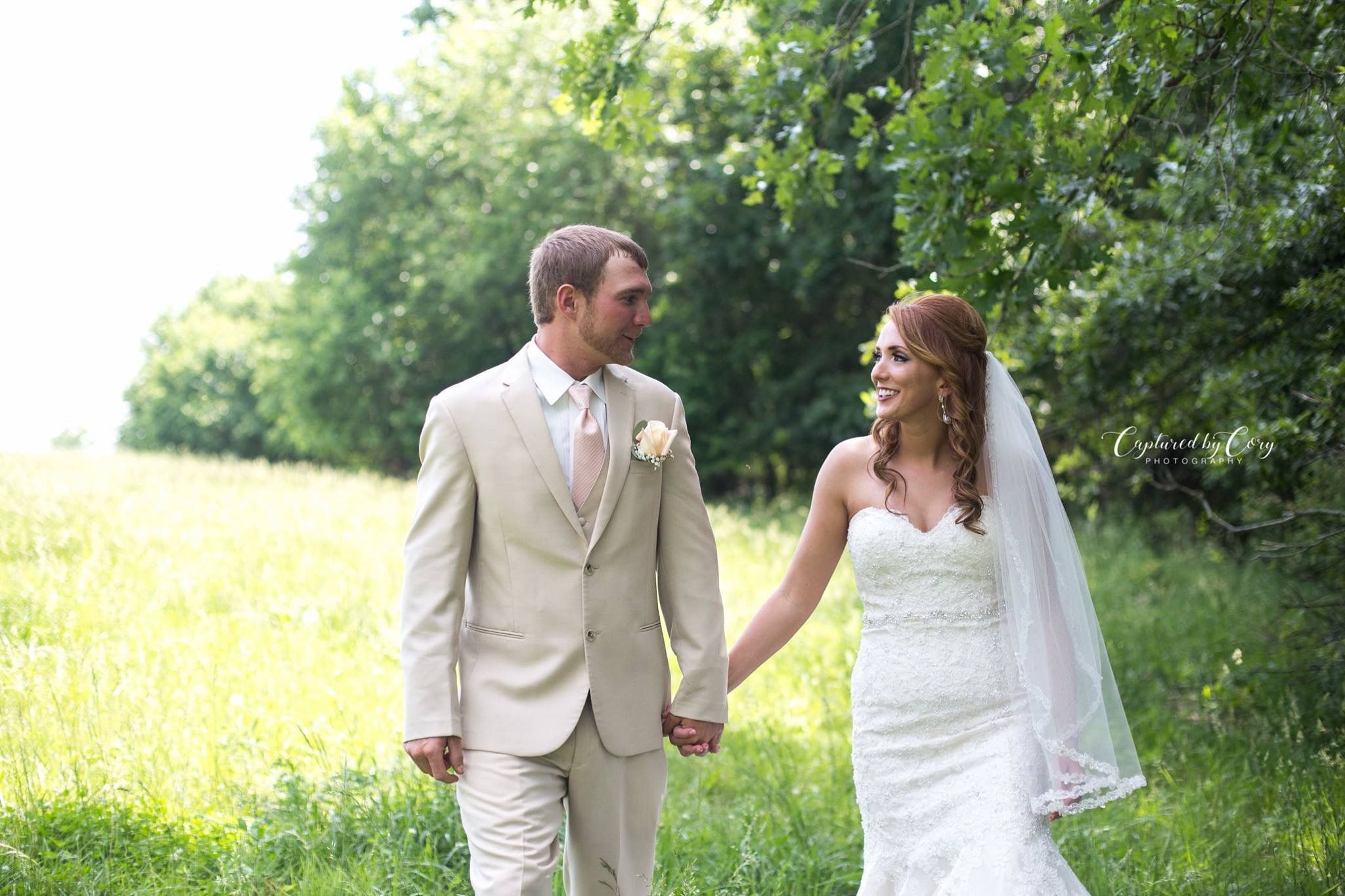 Captured By Cory Photography Springfield Mo Wedding Photographer Redhair Beautifulbride Www Fb