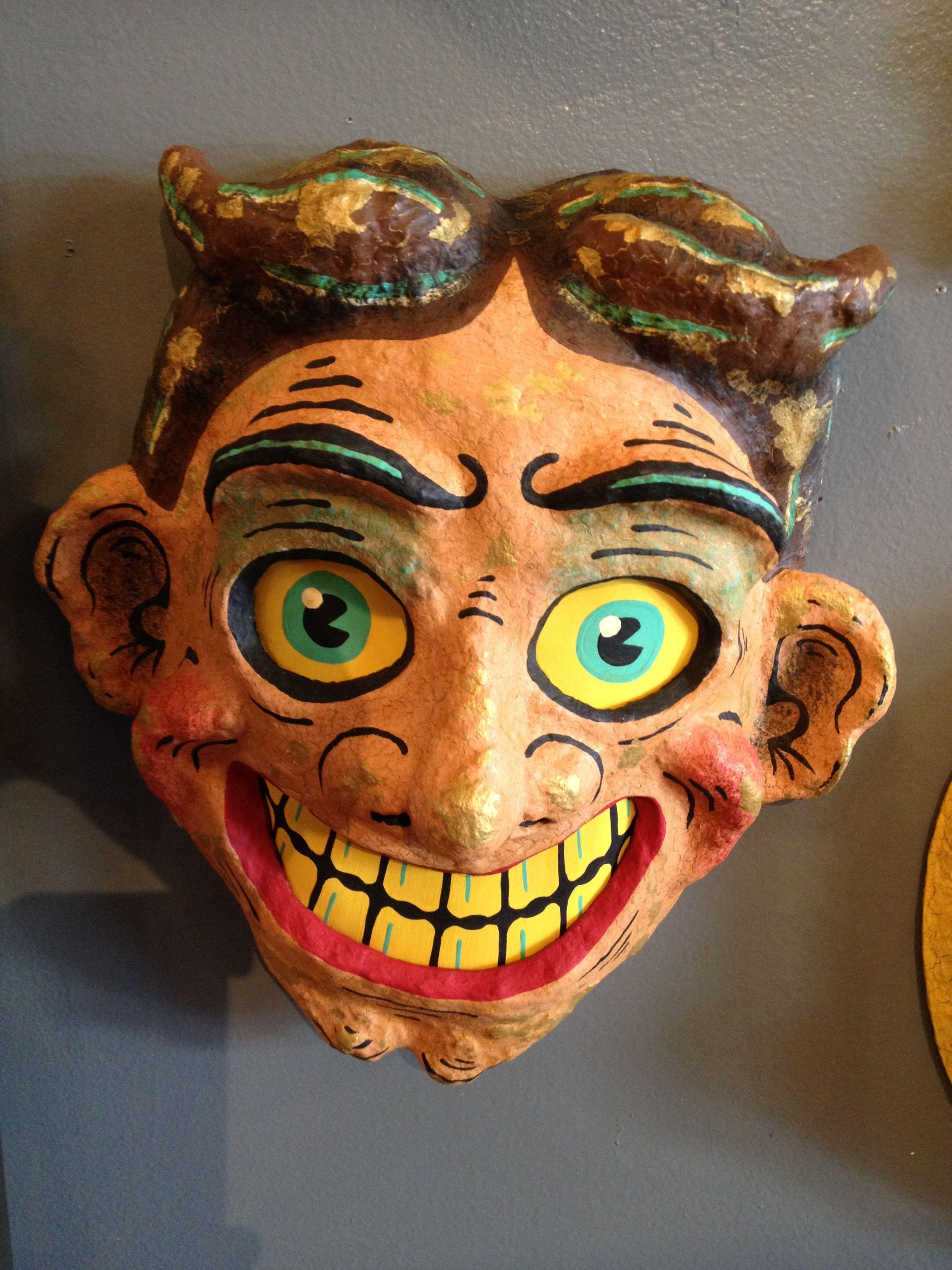 Paper mache mask pop cycle by mam craw loupe odditorium inspiration pinterest paper - Masque papier mache ...
