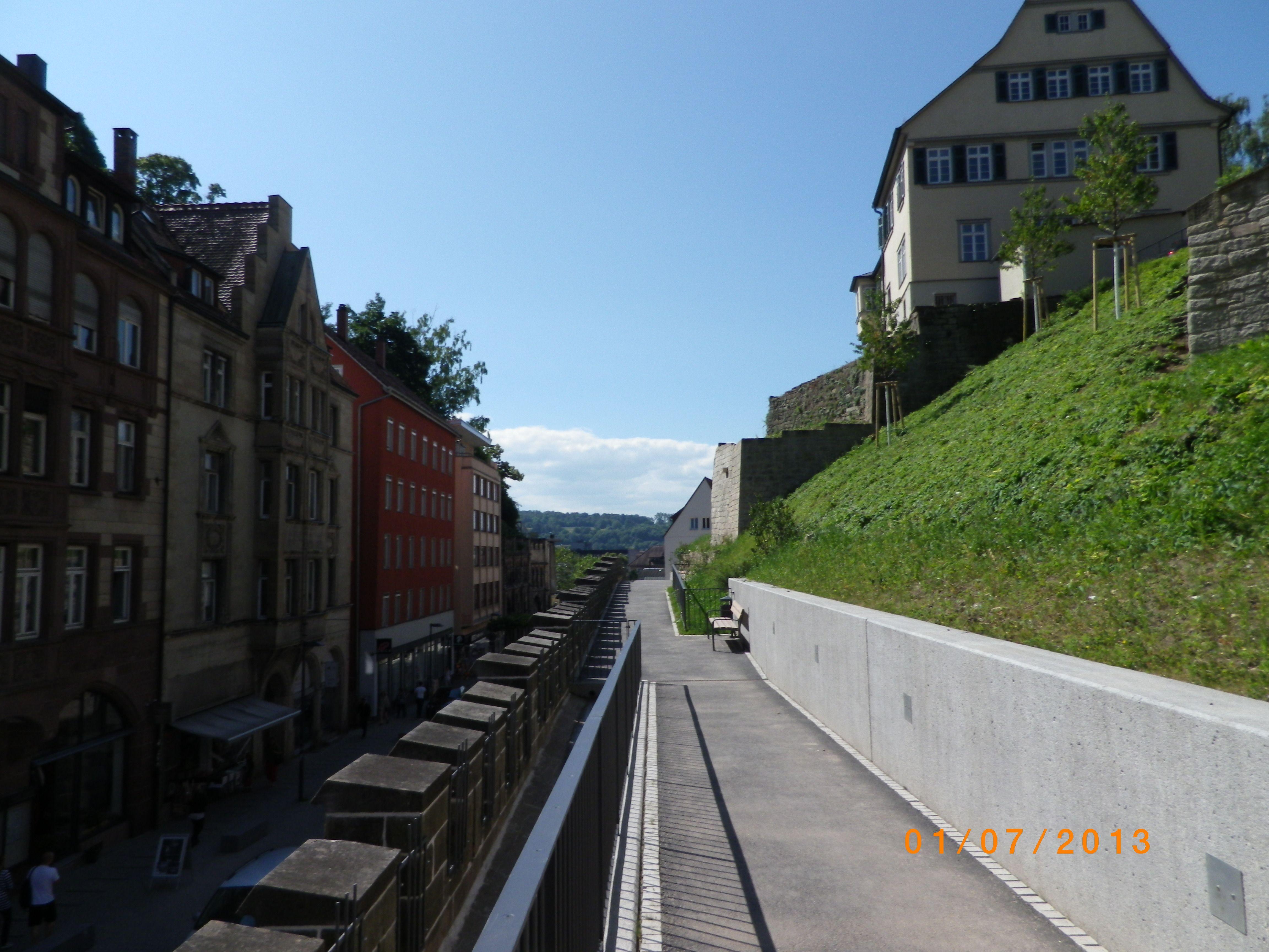 """Oberhalb der ebenfalls """"aufgehübschten"""" Mühlstrasse gibt es jetzt richtig schöne Plätze"""