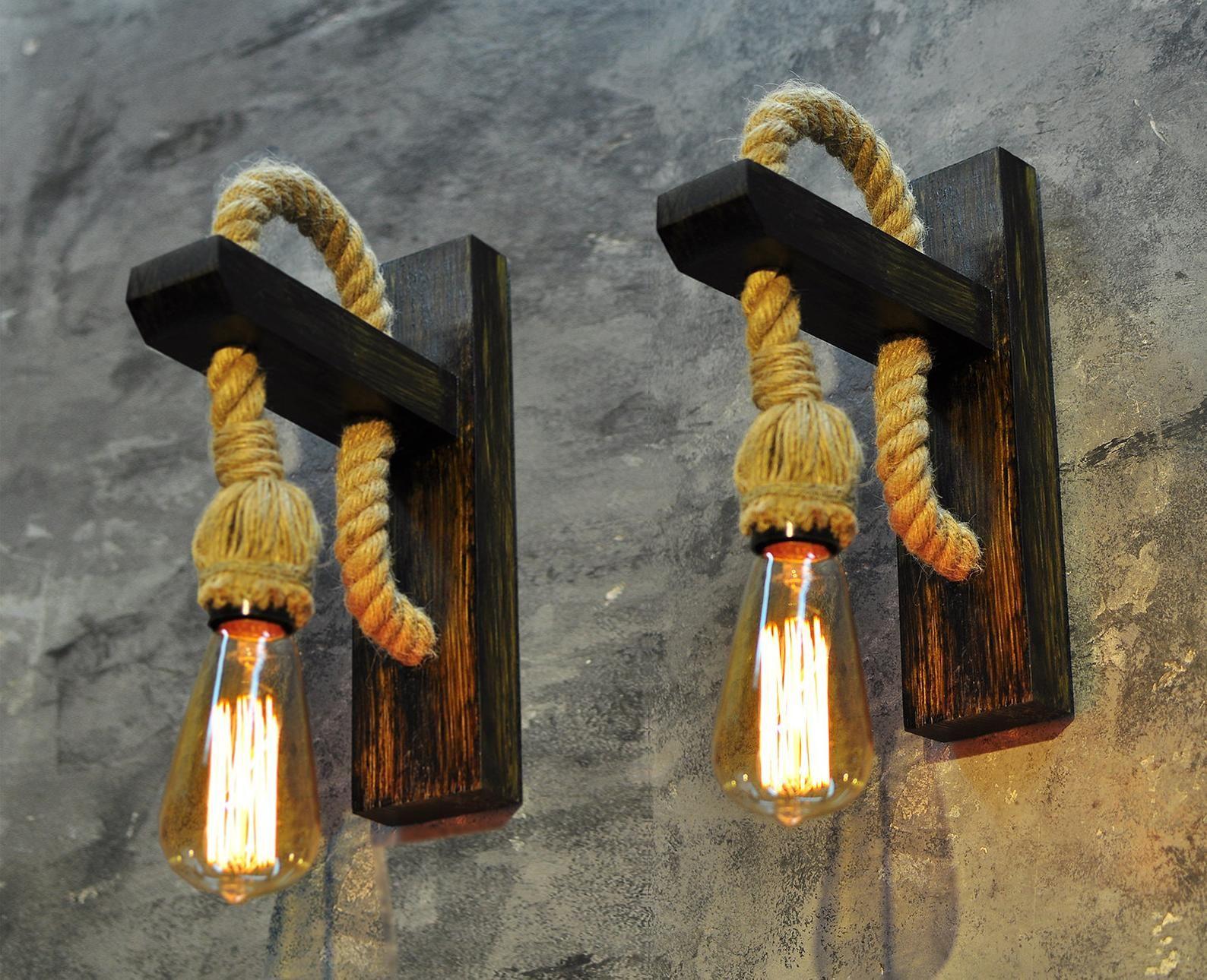 Satz Von 2 Holz Lampen Mit Seil Schnur Wand Edison Stellt Sich Etsy In 2020 Wooden Pendant Lighting Rustic Light Fixtures Rustic Wall Lighting