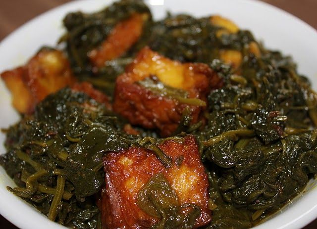 My mom-in-law saw this recipe on TV (probably on Marut Sikka's show) and makes this quiet often now. This is a great variation of Palak Paneer which we had never tasted anywhere earlier. She …