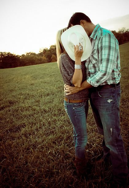 cute engagement picture!!