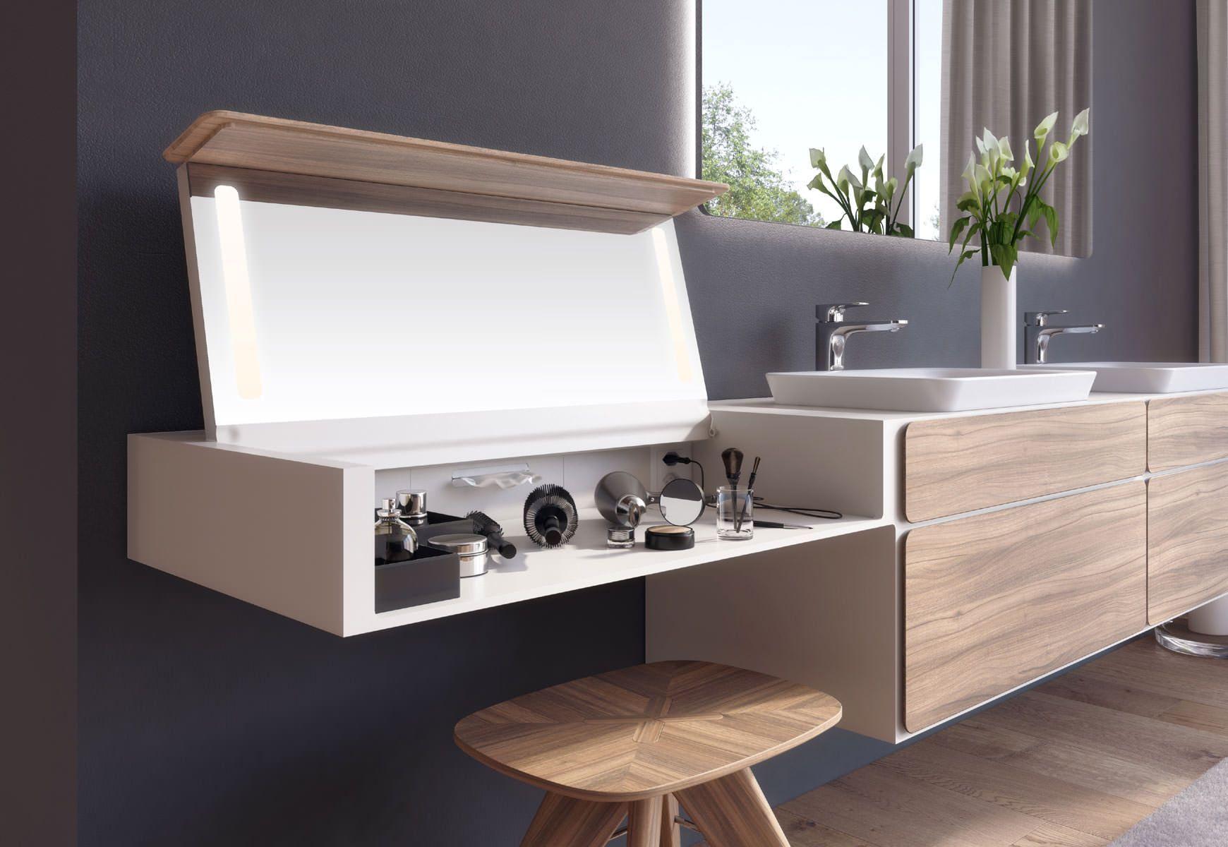 Schminktisch Neben Dem Waschtisch In 2020 Badezimmer Innenausstattung Badezimmer Badezimmer Dekor