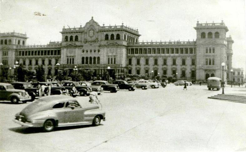 Resultado de imagen de guatemala parque central 1949