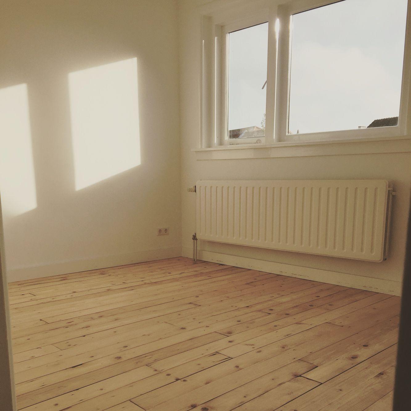 antiek grenen vloer behandeld met glitsa matte lak floors i