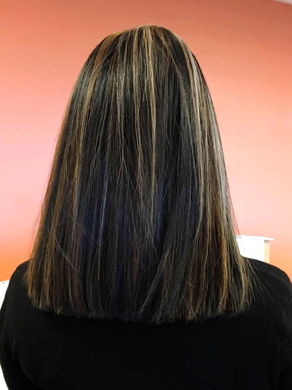 Black Hair With Blonde Highlights Bluntcut Blackhairwithhighlights Black Hair With Blonde Highlights Black Hair With Highlights Hair Styles