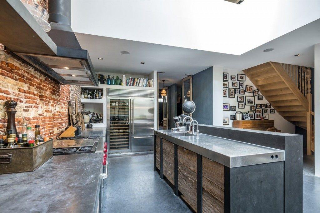 Cocina industrial love ladrillo visto cocinas for Decoracion de cocinas industriales