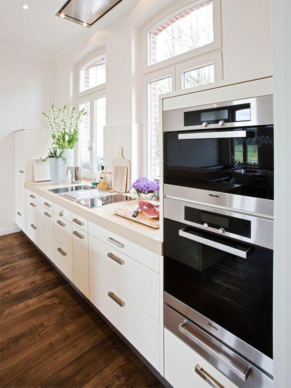Küche mit Landhaus-Elementen Room decor, Room and House - küche landhaus weiß