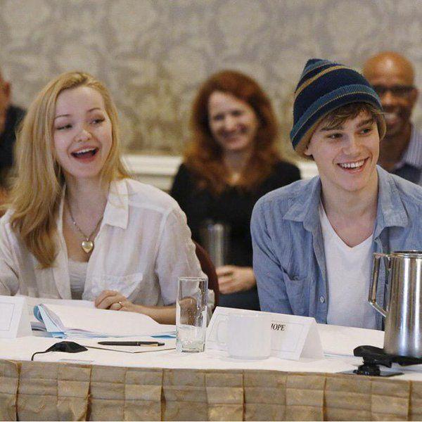 Mitchell Hope Disney Channel Descendants Dove Cameron Disney Decendants