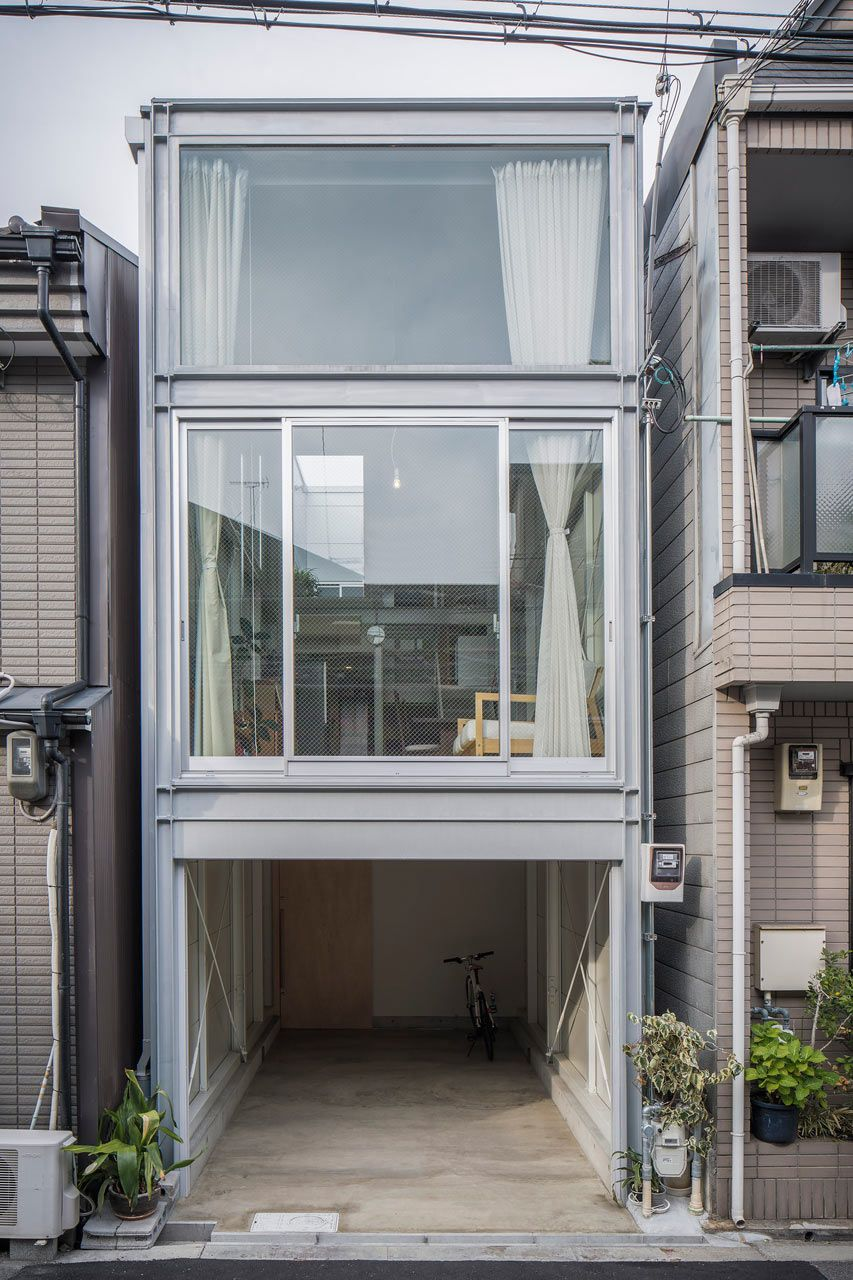 a narrow house built within heavily populated osaka home pinterest haus haus architektur. Black Bedroom Furniture Sets. Home Design Ideas