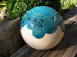 bildergebnis f r keramik garten kugel t pfern pinterest keramik t pferei und keramik ideen. Black Bedroom Furniture Sets. Home Design Ideas