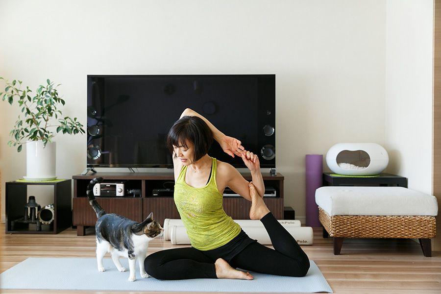 自宅で教室をひらく料理とヨガ 愛猫と一緒のナチュラルな暮らし Tokosie ー トコシエ 自宅で 自宅 ヨガ