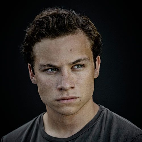 finn cole height