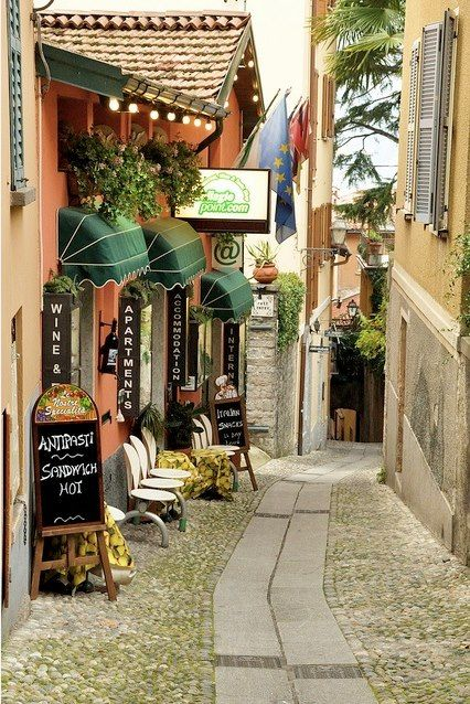 Side street in Bellagio, Lago Como, Italy
