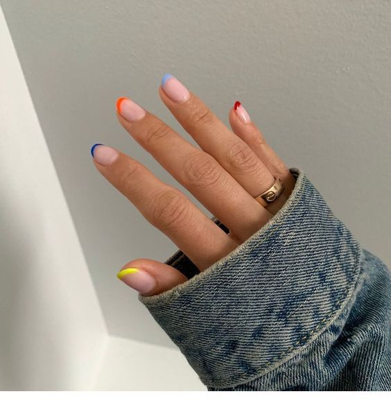 Different Colored Tips Nails Inspiring Ladies Minimalist Nails Cute Acrylic Nails Cute Nails