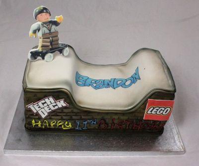 gardners bakery novelty cakes northampton northamptonshire on custom made birthday cakes northampton