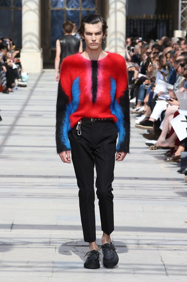 Défilé Homme Louis Vuitton   le monde comme terrain d exploration 47331005083