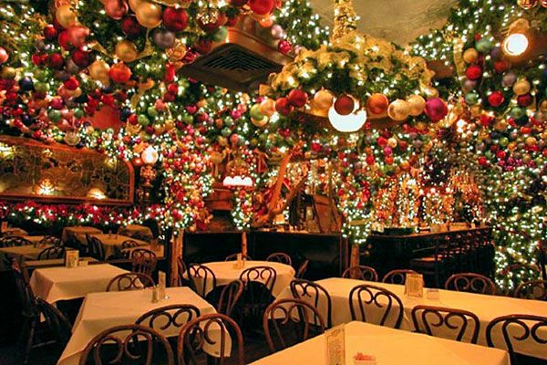 Rolf S German Restaurant Photo Rolf S German Restaurant New York City Christmas Nyc Christmas Nyc Holidays