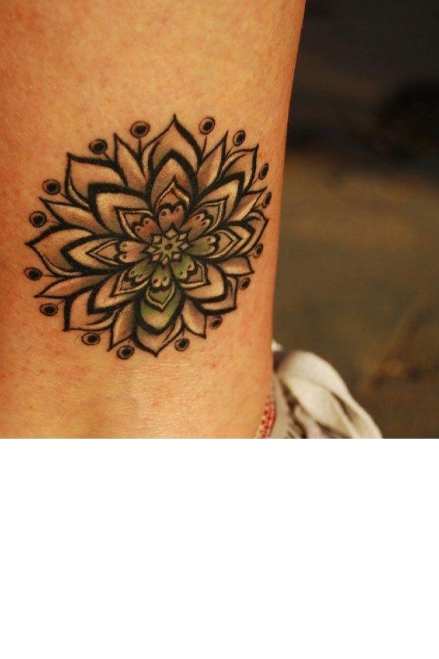 Tatouages 50 dessins pour sublimer nos chevilles tatouages cheville et tatouage cheville - Tatouage de cheville ...