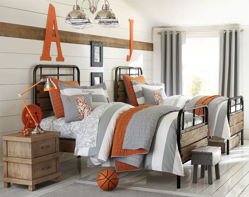 Decorating boys room boy bedroom design ideas pottery for Pottery barn kids room ideas