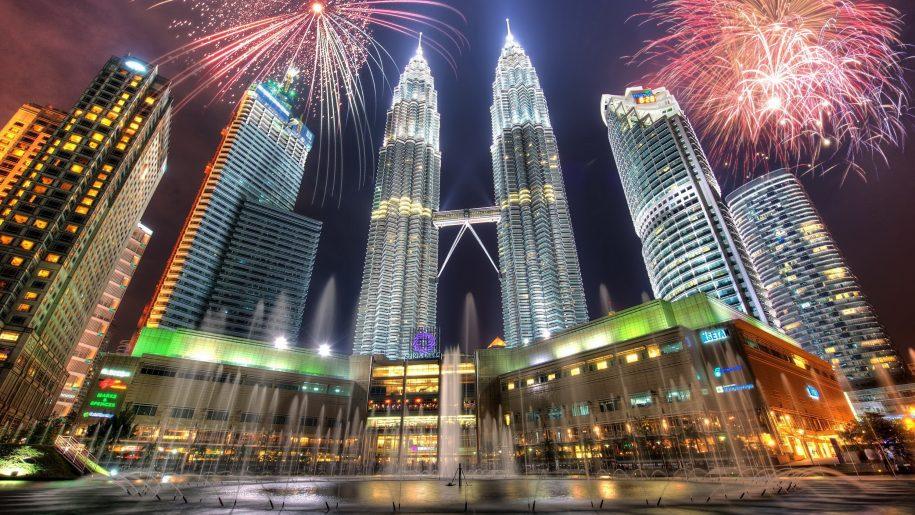 New Years Eve Petronas Towers Kuala Lumpur Malaysia Desktop Hd Wallpaper 3000 1875 In 2020 Petronas Towers Kuala Lumpur Hd Wallpaper