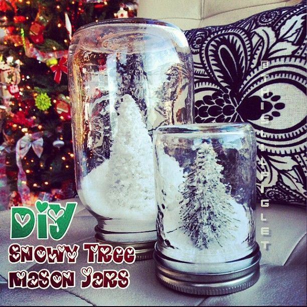 This is a great project for a quick school Christmas party craft.  Love it.