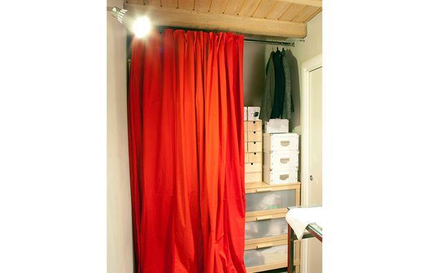 Cabina Armadio Tenda : Casafacile 12 soluzioni con una tenda: cabina armadio lavanderia