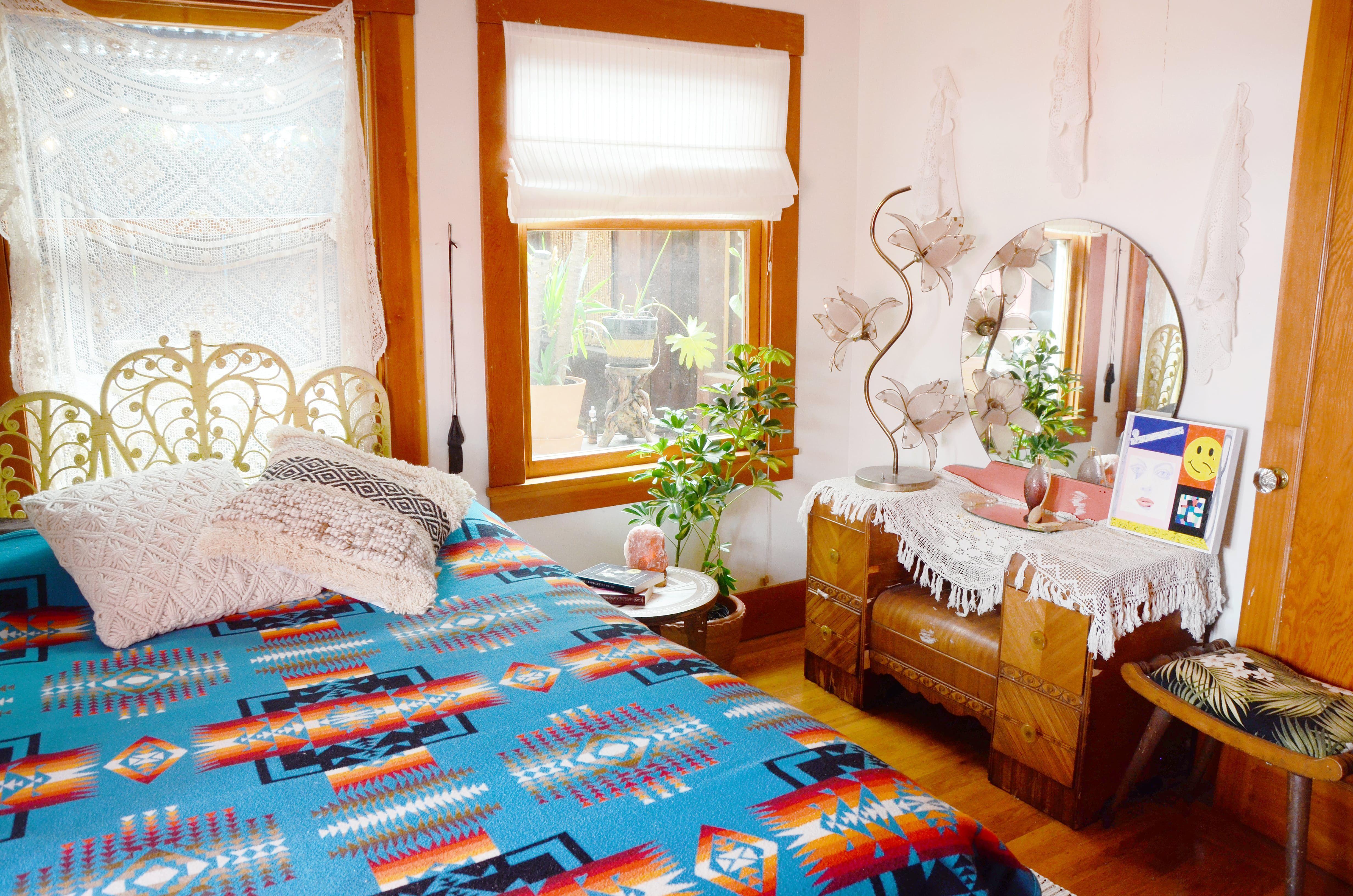 A California Craftsman With 70s Cabin Vibes White Wicker Furniture Wicker Patio Furniture Sunroom Furniture