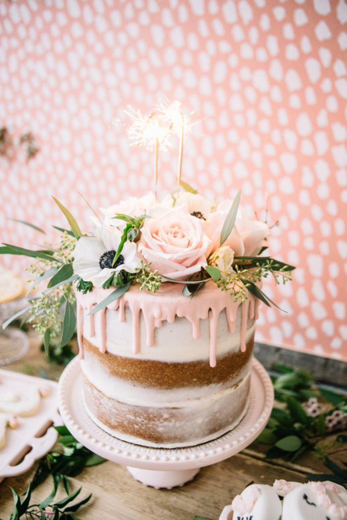 Geburtstagstorte Selber Zubereiten Und Mit Echten Blumen Und Blattern Dekorieren Geburtstagstorte Geburtstag Kuchen Hochzeitstorte Ideen