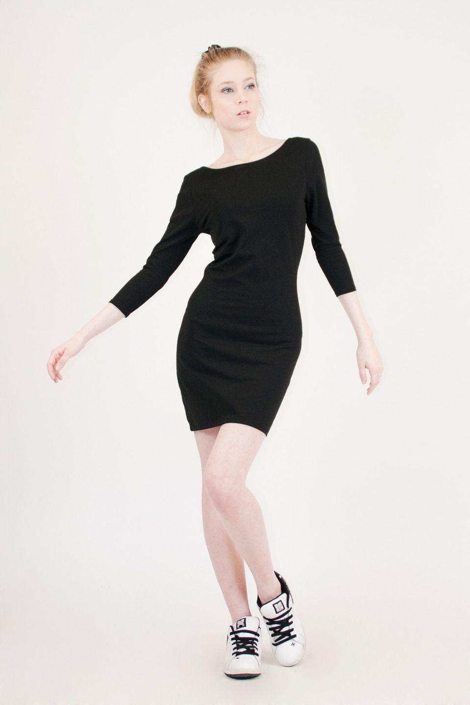 ea524563f30 Petite robe noire sexy au dos nu danseuse en coton bio coupe courte moulante