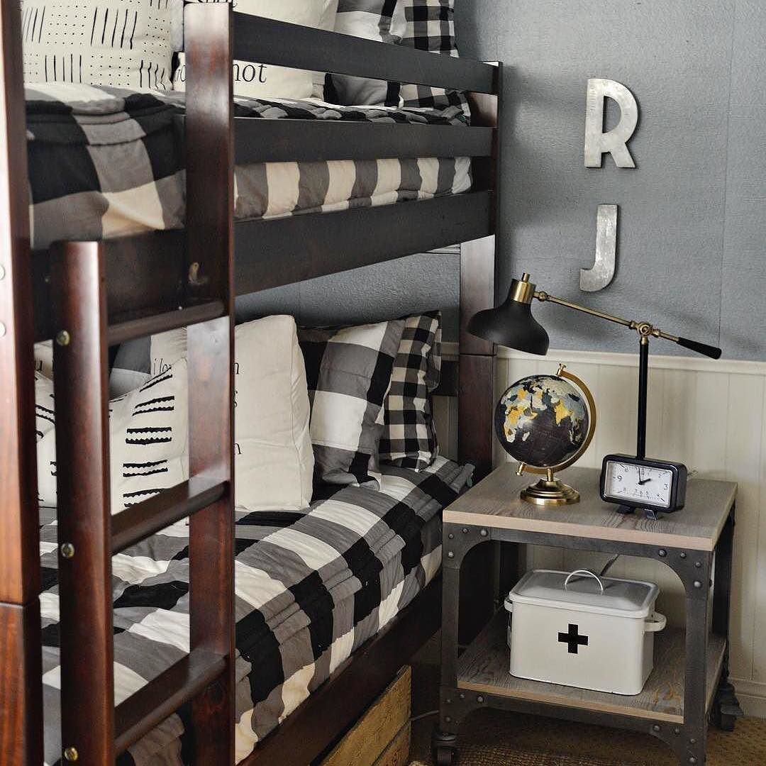 hello buffalo check with double the style what 39 s not to love about this boys room by. Black Bedroom Furniture Sets. Home Design Ideas